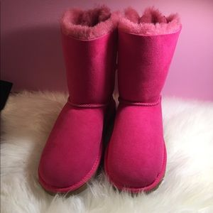 New without box Authentic UGG Bailey bow boots